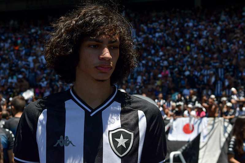 Matheus-Nascimento-Botafogo.jpg